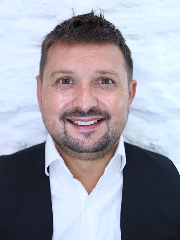 Bastian Pino